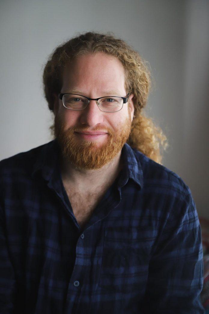 יונתן ברג - עורך ומנחה הסדרה צילום: מיקול לוי ירון
